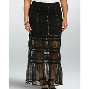 Torrid black polka dot tulle overlay skirt size 4